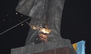 Георгий Тука уничтожил 109 советских памятников и предложил отдать остальные в ЛНР