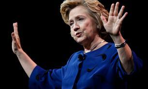 """Клинтон опережает Трампа в """"колеблющихся штатах"""""""