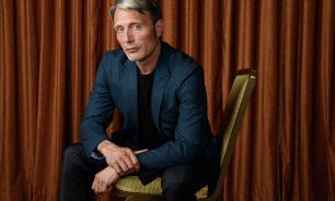 Актер из Дании назвал борщ своим любимым произведением русской культуры