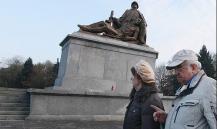 Путину предложат ввести санкции против Польши и авторов закона о сносе советских памятников