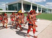 Бразильские индейцы вышли на тропу войны