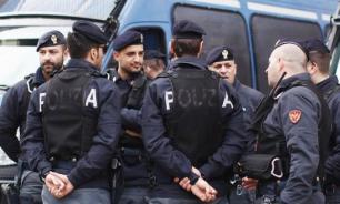 Иностранец в Италии попытался ограбить кафе, угрожая леденцом