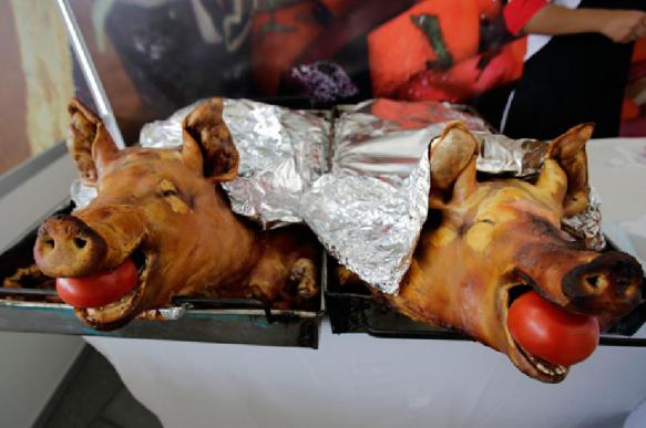 Диетологи призывают есть свинину и сало