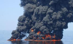 Два судна загорелись в Керченском проливе