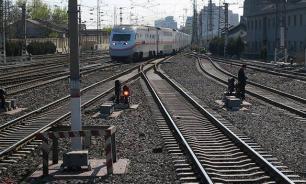 Следовавший из Воркуты в Москву поезд сошел с рельсов под Архангельском
