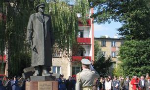 Жители Вологодчины просят сохранить установленный в Праге памятник выдающемуся земляку