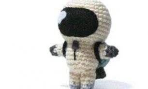 Робот FEDOR возьмет с собой на МКС вязаную игрушку Марусю