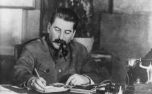 """Троицкий предложил проводить в день смерти Сталина акцию """"Бессмертный барак"""""""