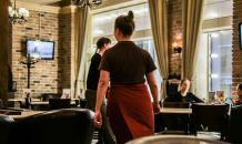 Забайкальских детей вынудили работать официантами в Китае