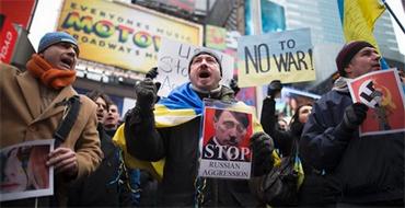 Эксперт: Информационная война ведется как со стороны России, так и со стороны Запада