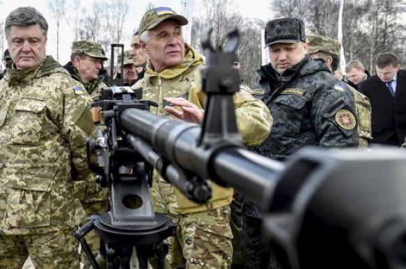"""Экс-глава Украины Порошенко предложил свой """"мирный план"""" по Донбассу"""