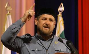 """Кадыров подарил чеченским олимпийцам черные """"Мерседесы"""""""