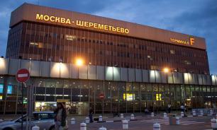 Пассажиров самолета в Шереметьеве эвакуировали из-за странного запаха