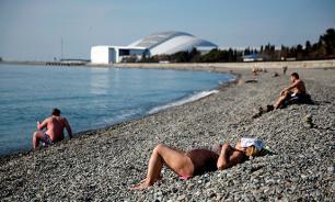 Статистика: более половины женщин спокойно  изменяют мужьям на курортах