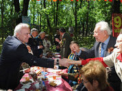 Глава Адыгеи лично поздравил ветеранов с Днем Победы