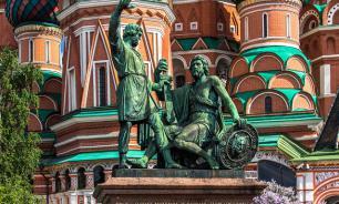 Реставрация памятника Минину и Пожарскому займет два года