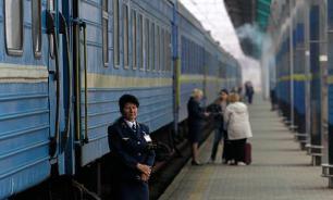 """""""Укрзализныця"""" соблазняет пассажиров """"интимными"""" вагонами"""