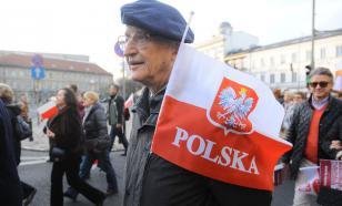 В Польше учителя начали массовую забастовку с требованием повысить им зарплату