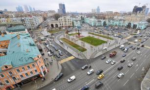 Эксперт: ввести плату за проезд перекрестков предложили дилетанты