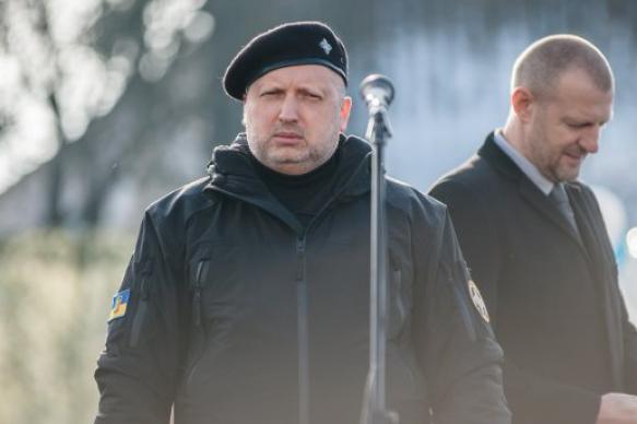 Политолог оценил слова Турчинова о предотвращении войны с Россией