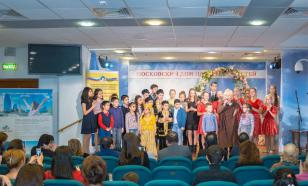 """Дети возвели """"Мост дружбы"""" между Россией и Азербайджаном"""
