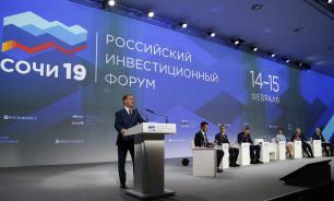 Хазин: нацпроекты Путина появились потому, что у правительства Медведева нет программ