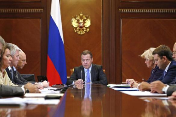 Медведев хотел, но не добавил оптимизма в массы