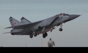 """МиГ-31 с ракетами """"Кинжал"""" заступили на боевое дежурство в армии России"""