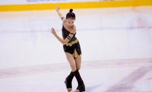 Фигуристка Константинова открыла бутылку ударом конька