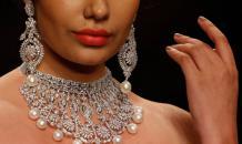 Бриллианты столько стоить не должны