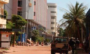 """Ответственность за нападение в Мали взяла на себя группировка, связанная с """"Аль-Каидой"""""""