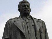 Памятник Сталину в Липецке облили розовой краской