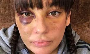 Британец 2 часа избивал свою девушку за удаление друзей в соцсети