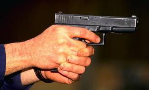 Инспектор ГИБДД расстрелял 40 машин у дома возлюбленной