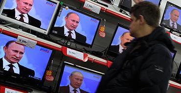 Путин посмотрит фильм о возвращении Крыма вместе со всей Россией