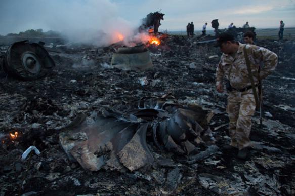 Имена жертв катастрофы MH17 увековечили намемориале вГолландии