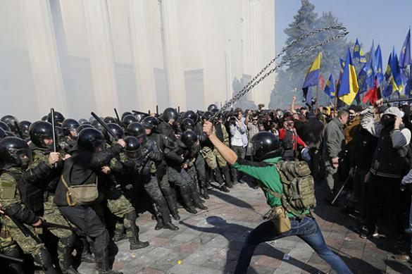 Нардеп Допкин пригрозил установлением на Украине военной диктатуры