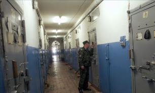Сотрудников ФСИН обяжут быть вежливыми с заключенными