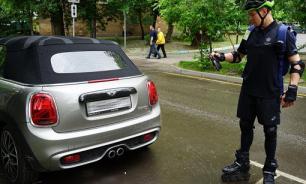 Инспекторы на роликах будут следить за столичными парковками