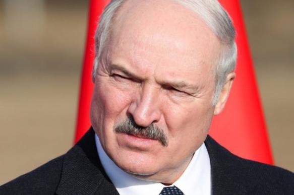 Лукашенко не блокирует интернет в стране, опасаясь западных санкций