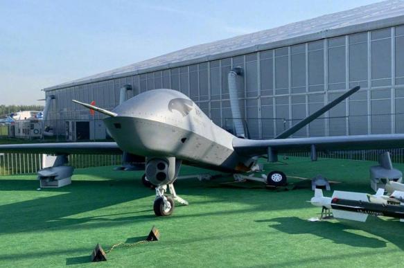 Посетители авиасалона МАКС-2019 сломали новый китайский беспилотник