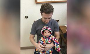 Фото Цукеберга из поликлиники с дочкой взорвало Фейсбук