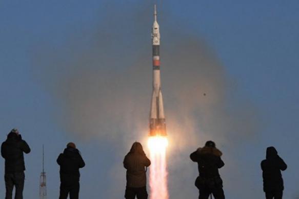 """Взорвавшийся """"Союз"""" с космонавтами изуродовали на """"Байконуре"""""""