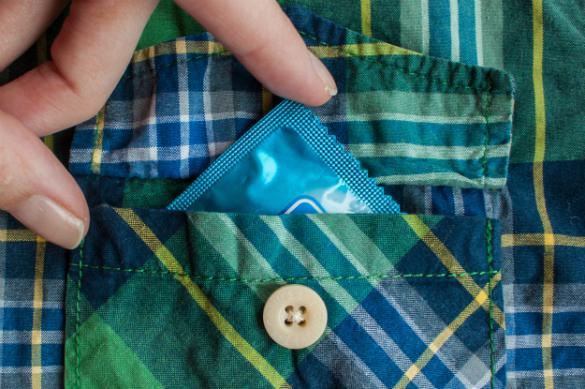 ФАС здесь не стояло: зачем школьникам презервативы