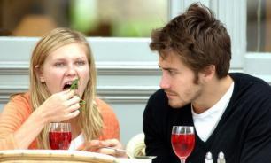 Более 30% женщин ходят на свидания ради бесплатного ужина - исследователи из США