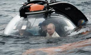 Путин в батискафе погрузился к затонувшей в годы ВОВ подлодке