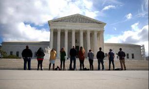 Американцы демонстрируют  рекордную степень недоверия к Верховному суду США