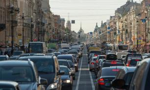 Невский проспект отгородят от тротуара для снижения аварийности