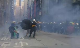 """Пекин рекомендовал Трампу """"не совать свой нос"""" в дела Гонконга"""