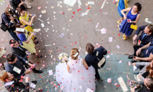 Россияне стали меньше жениться и больше разводиться